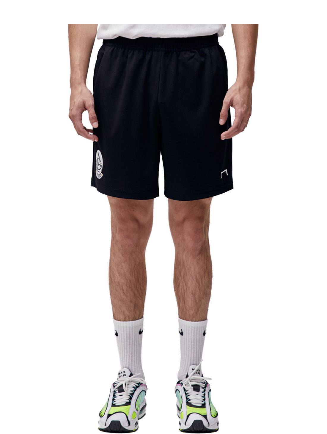 PLAYER EMBLEM SHORTS - BLACK