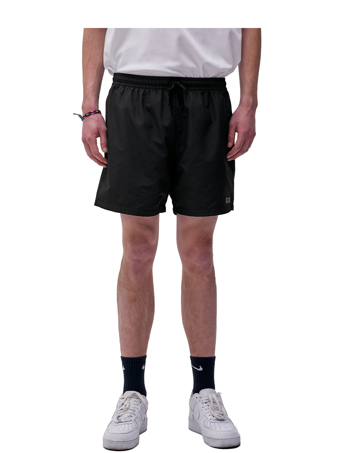 SOLID WOVEN SHORTS - BLACK